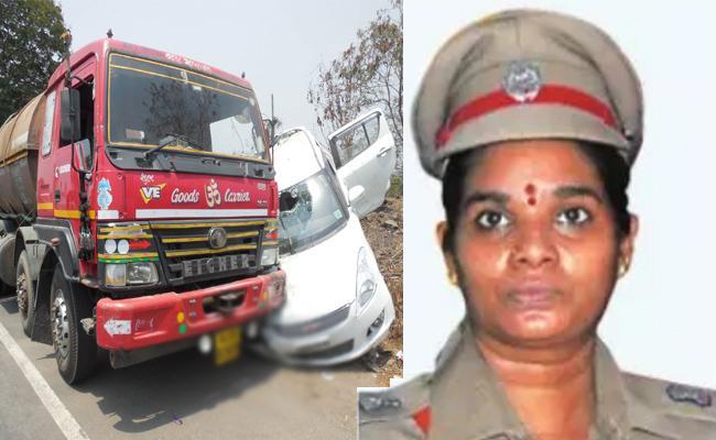 Phone Call Threats To Women SP Urmila In Tamil Nadu - Sakshi