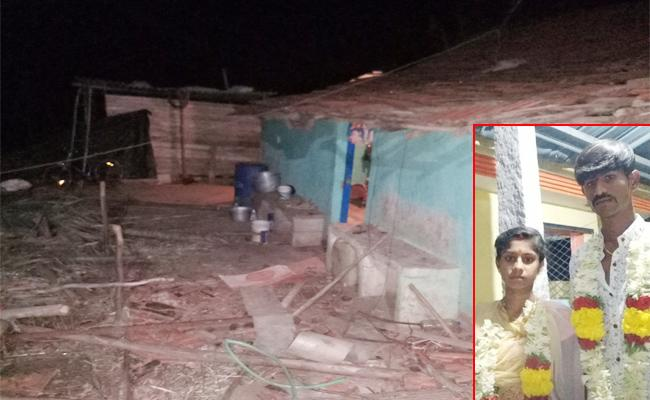 Inter Caste marriage Bride Relatives Collpased Groom House Karnataka - Sakshi