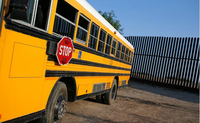 Texas Students Take Control of Bus After Driver Unconcious - Sakshi