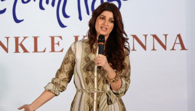 Twinkle Khanna Said All Her Films Should Be Banned - Sakshi