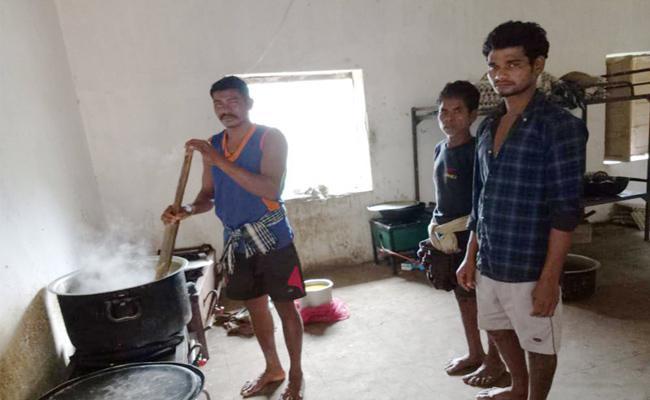 Staff Shortage In Ashram Schools Srikakulam - Sakshi