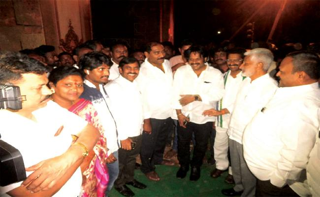 Nedhurumalli Ram Kumar join in YSRCP Today - Sakshi