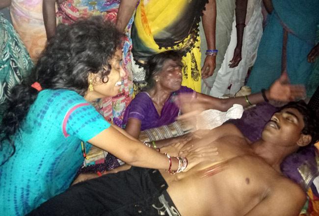 New Groom Died  In Vizianagaram - Sakshi
