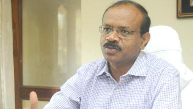 Collector Dhananjaya Reddy special attention On Kidney disease - Sakshi