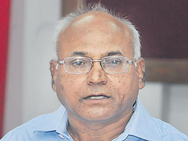 Kancha Ilaiah comments on TRS and KCR - Sakshi