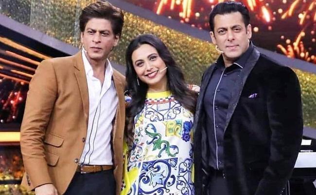 Rani Mukerji Wants Salman Khan Daughter To Marry Sharukh Son AbRam - Sakshi