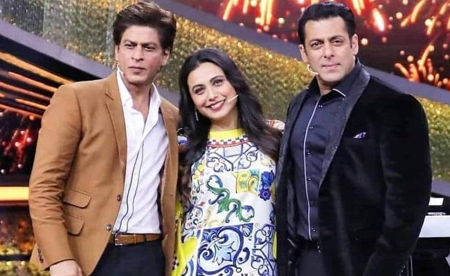 Rani Mukerji Wants Salman Khan Daughter To Marry Sharukh Son AbRam - Sakshi