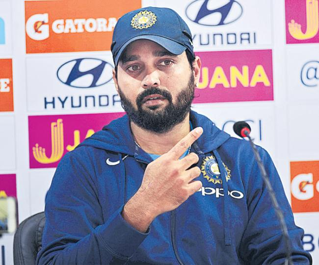 Murali Vijay to play for Essex in English County - Sakshi