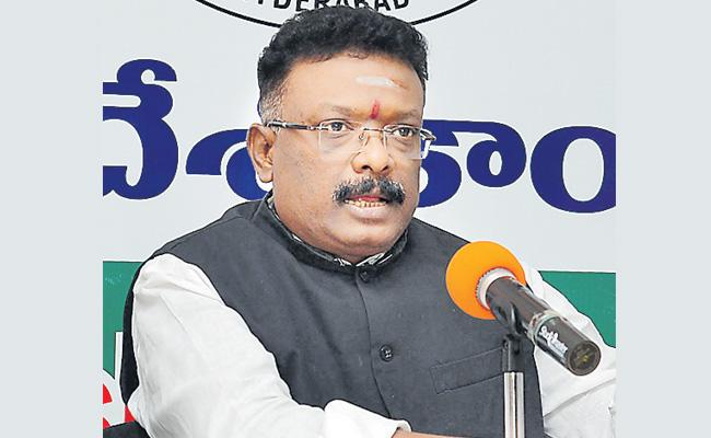 Dasoju Sravan Slams KCR On Early Polls - Sakshi