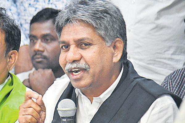 Manda krishna commented over kcr - Sakshi