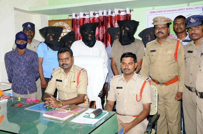 Young man murder case mystery change Chilakaluripet police - Sakshi