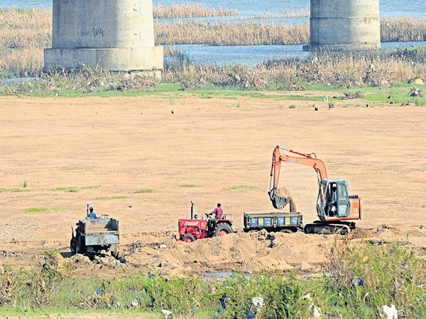 Threat to the Prakasham barrage! - Sakshi