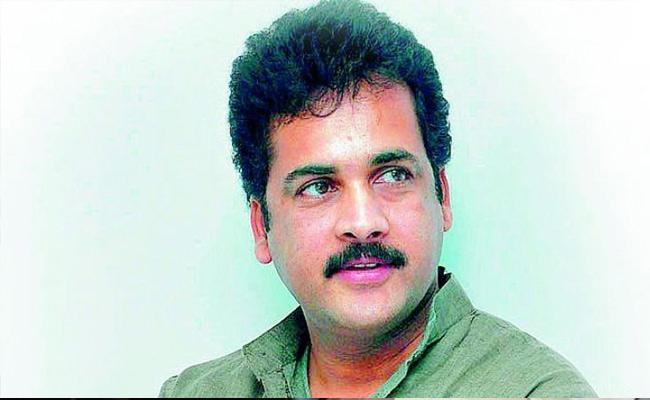 BJP Spokesperson Kota Saikrishna Slams Actor Shivaji In Vijayawada - Sakshi