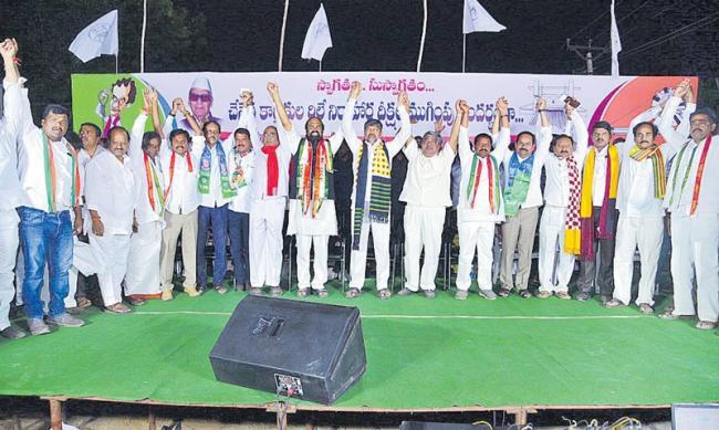 Uttam Kumar Reddy all-party meeting of handloom workers - Sakshi