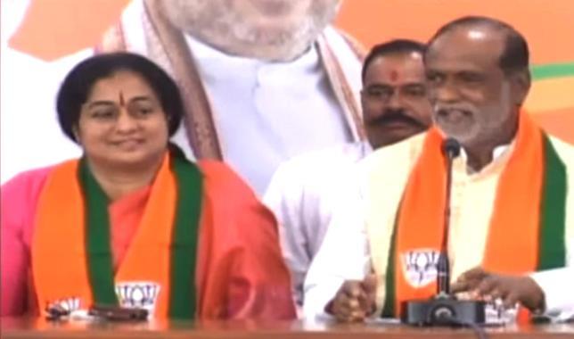 Damodar Raja Narasimha Wife Padmini Join In BJP - Sakshi