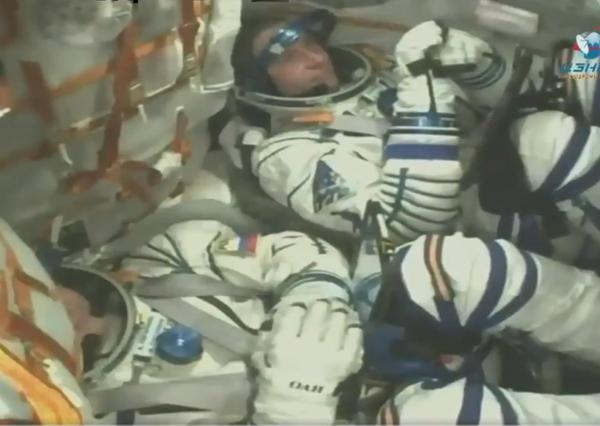 Astronauts escapes from Soyuz rocket accident - Sakshi