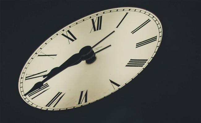 Indian Scientists Says Country Needs Two Time Zones - Sakshi