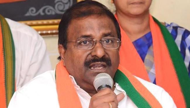 Somu Veerraju slams Chandrababu Naidu - Sakshi
