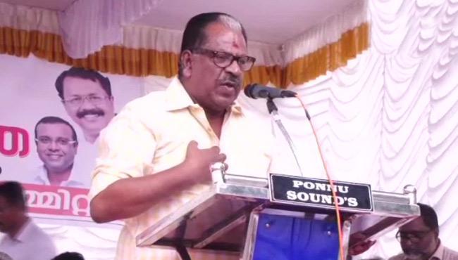 Kollam Thulasi Warns Women To Enter Into Sabarimala Temple - Sakshi