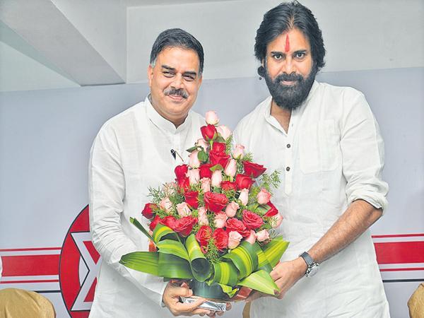 Additional power to Janasena with Nadendla Manohar says Pawan - Sakshi