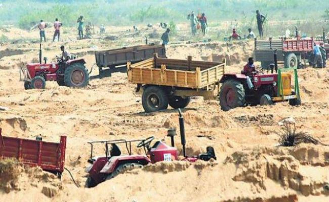 Sand Mafia Step In Nizamabad - Sakshi