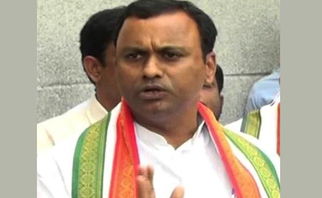 Komatireddy Rajagopal Reddy Slams KCR - Sakshi