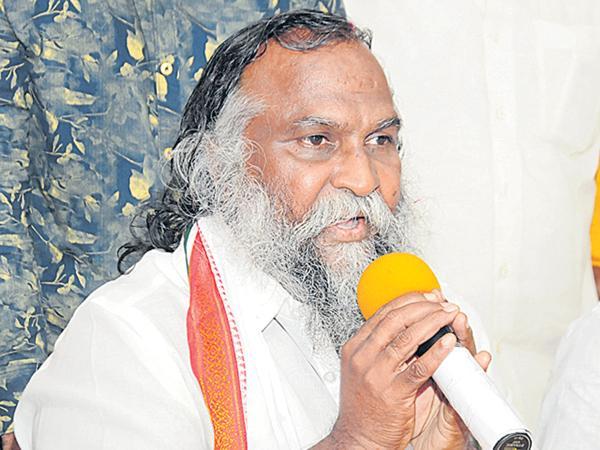 Jaggareddy fires on KCR Family corruption - Sakshi