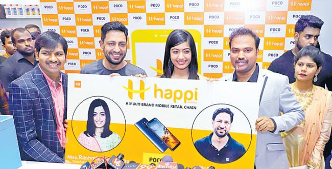 Happy Mobiles Launch 40th Store - Sakshi