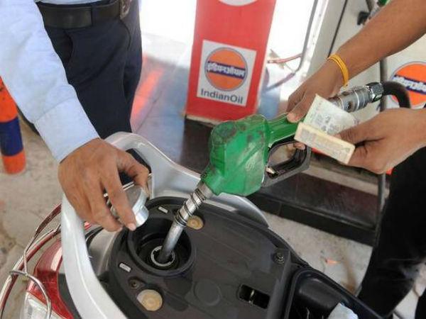Petrol, Diesel Prices Drop On The Occasion Dussehra - Sakshi