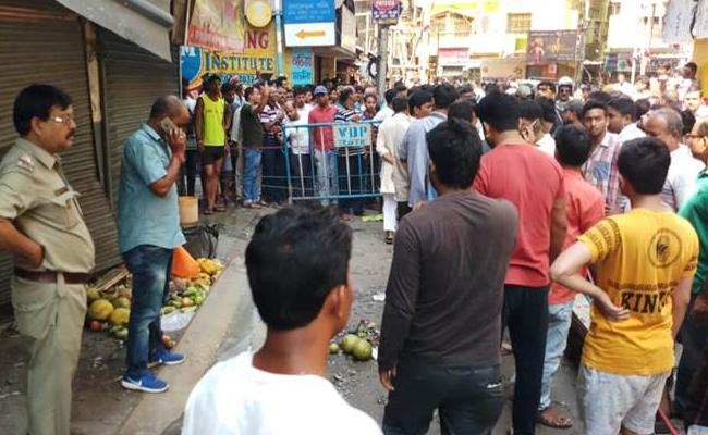 Blasts At Kolkata Nager Bazar One Died - Sakshi