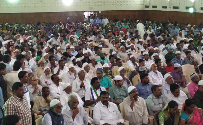 YSRCP MLA Amjad Basha takes on Chandrababu Naidu - Sakshi