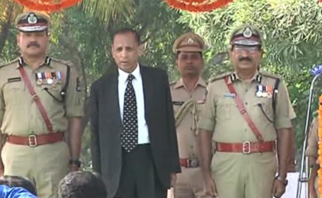 DGP Mahender Reddy Tribute To Police - Sakshi