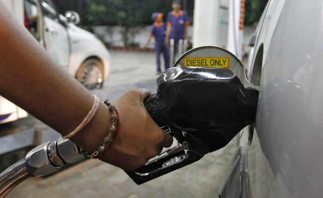 Diesel Price Hikes More Than Petrol Prices In Odisha - Sakshi
