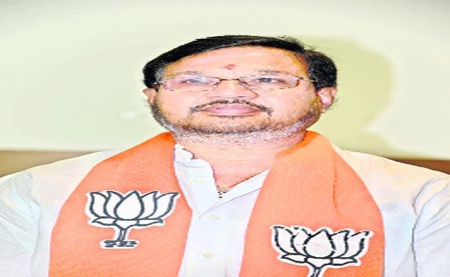 Karimnagar District BJP President Kotha Srinivas Reddy Join In TRS - Sakshi