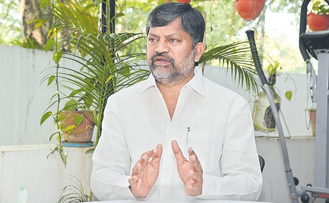 TDP Leader Ramana Fires On KCR Over Governance In Telangana - Sakshi