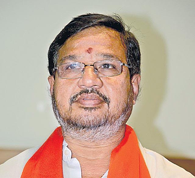 bjp leader kottha srinivas reddy join in trs - Sakshi