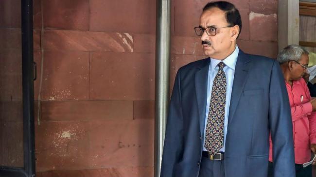 CJI Led Bench To Hear Plea Of CBI Chief Alok Verma - Sakshi