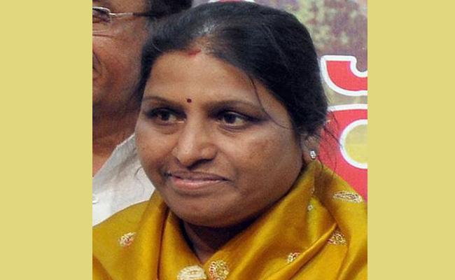 Pratibha Bharati Suffering From Heart Stroke In Visakhapatnam - Sakshi