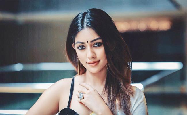 Anu Emmanuel Romance With Dhanush In Her Next Move - Sakshi