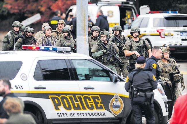 Gunman Attacks Pittsburgh Synagogue, Killing 11 People - Sakshi