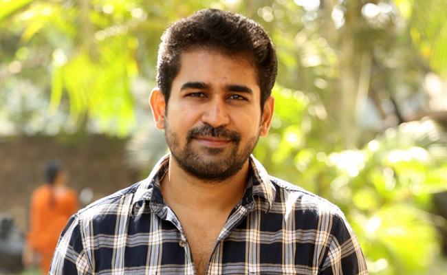 Vijay Antony Thimiru Pudichavan Will Out For Diwali - Sakshi