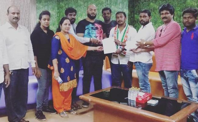 Maharashtra Navnirman Sena Threats Bigg Boss Over Tanushree Issue - Sakshi