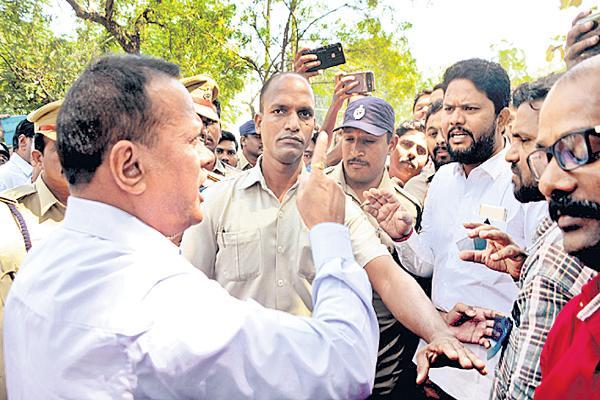 Prison Department DG VK Sing fires on a Media - Sakshi