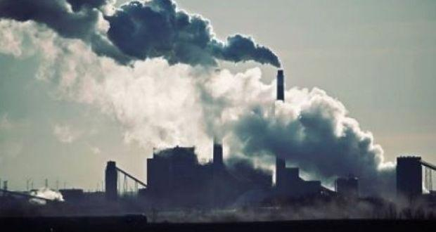 Breathing polluted air kills 600000 children under 15 every year - Sakshi