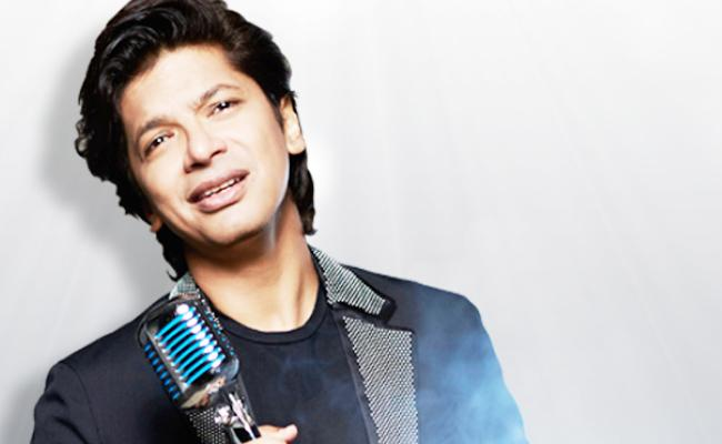 Shaan Attacked During Guwahati Music Concert For Singing In Bengali - Sakshi