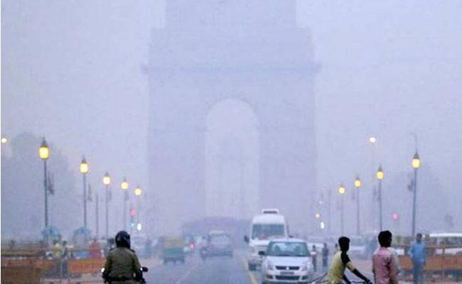 Private Cars In Delhi Will Be Banned Due To Air Pollution! - Sakshi