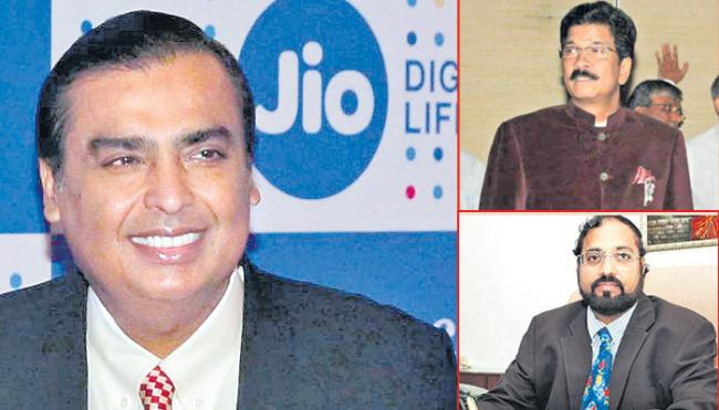 Forbes list names Mukesh Ambani as India richest for 11th straight year - Sakshi