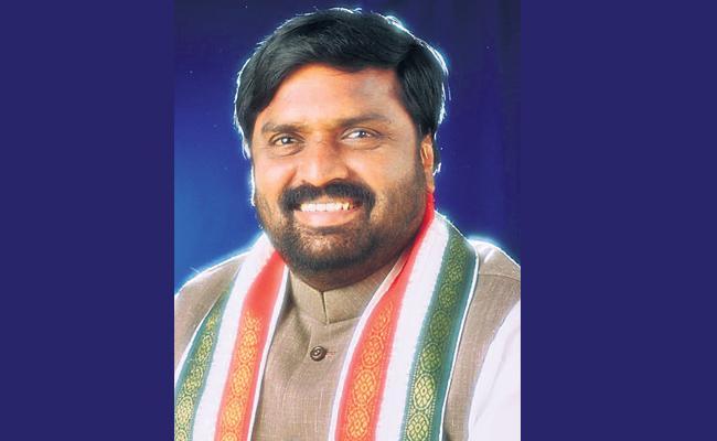 Anjan Kumar Yadav Comments On Majlis In Old City - Sakshi
