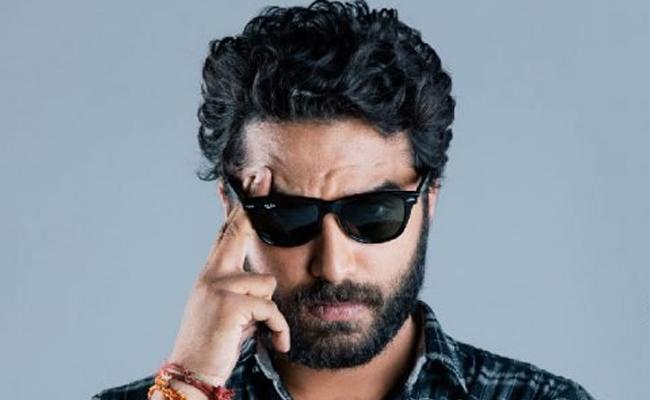Ee Nagaraniki Emaindi Fame Vishwaksen Turns Director - Sakshi