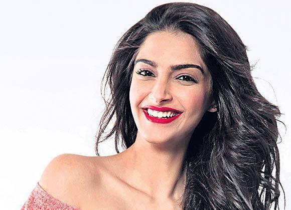 Sonam Kapoor decides to go off Twitter - Sakshi
